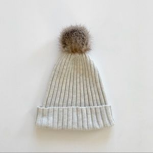 H&M beanie with pom neutral color